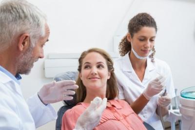 Как выбрать и что лучше на депульпированный зуб — пломба или коронка?